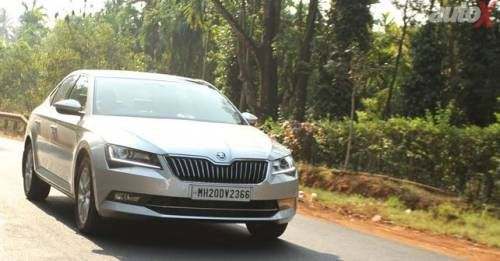New 2016 Skoda Superb Front Three0quarter