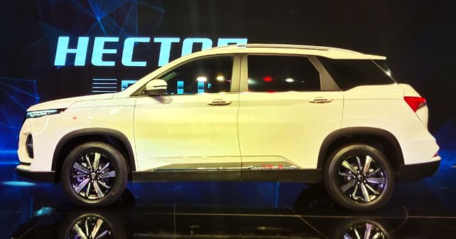 MG Hector Plus Showcased At The Auto Expo 2020 - Side view