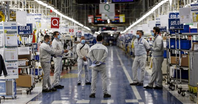 Workers at FCA's Sevel plant in Atessa