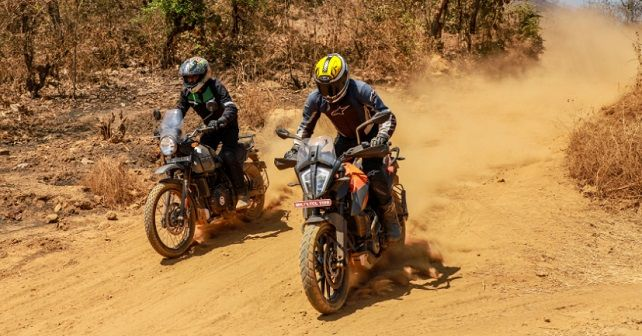 KTM 390 adventure Royal Enfield Himalayan Front Action