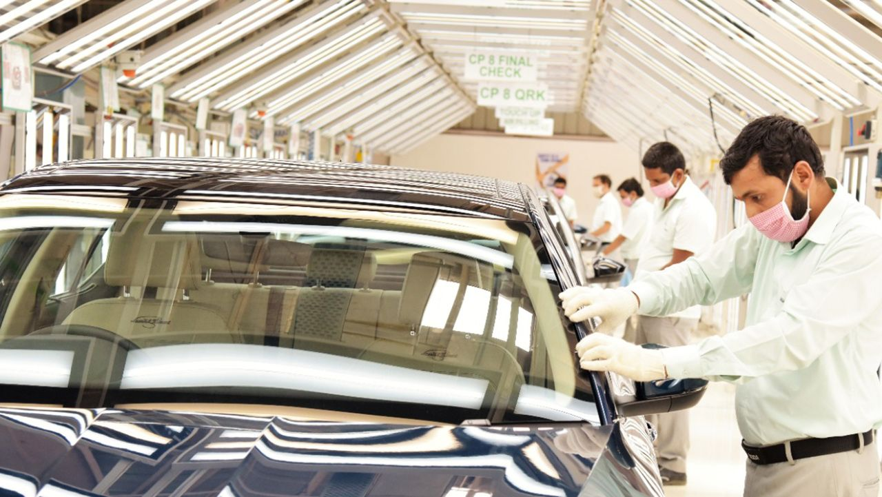 Skoda India Aurangabad Production Commences Superb Face Lift