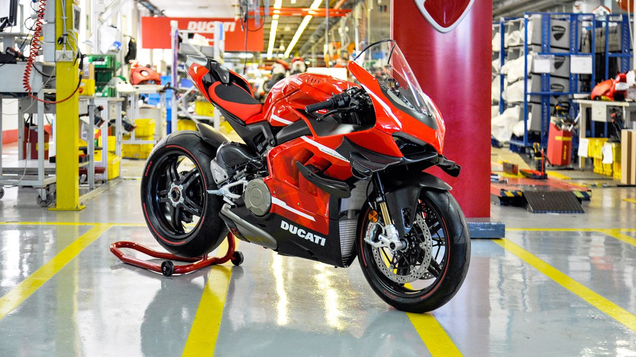 Ducati Superleggera V4 Production