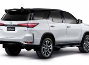 Toyota Fortuner Facelift Legender Rear View1