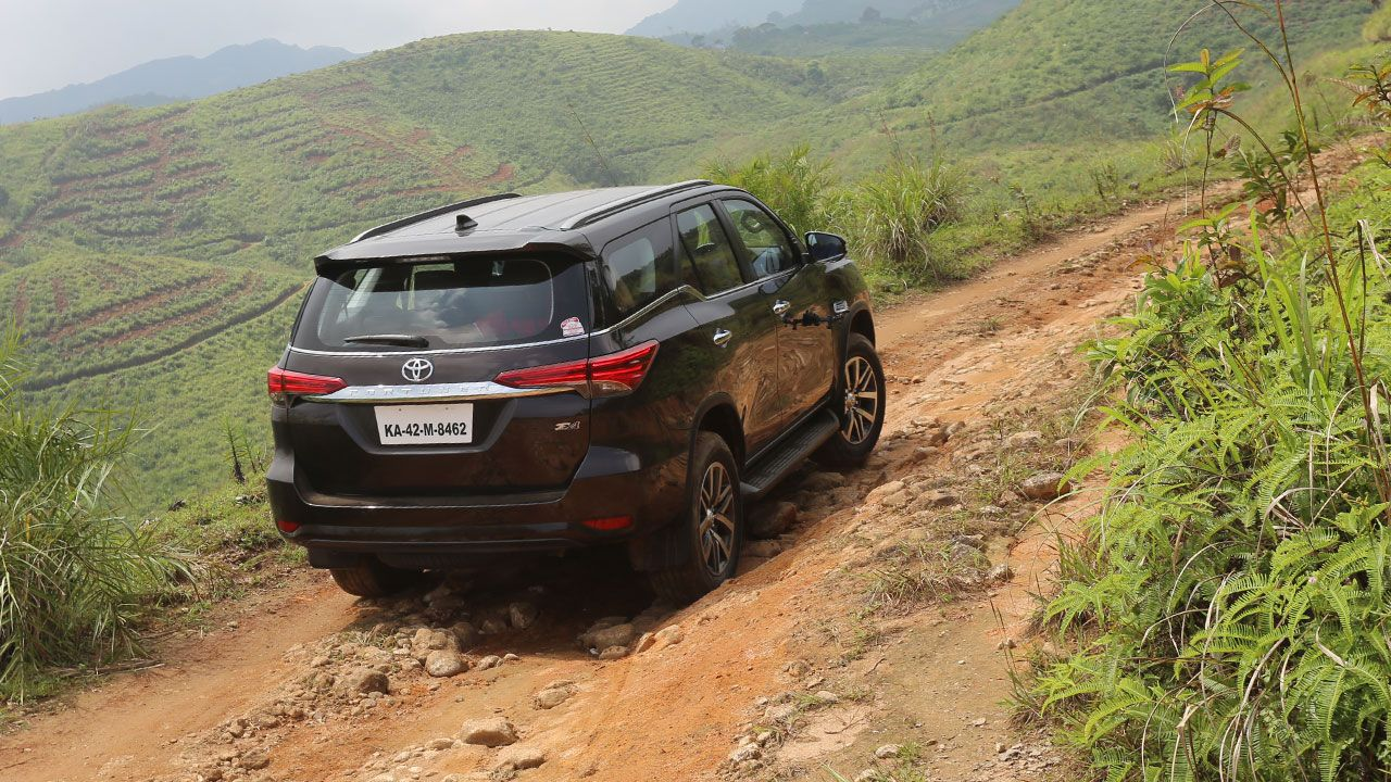 Toyota Fortuner Off Road Hills