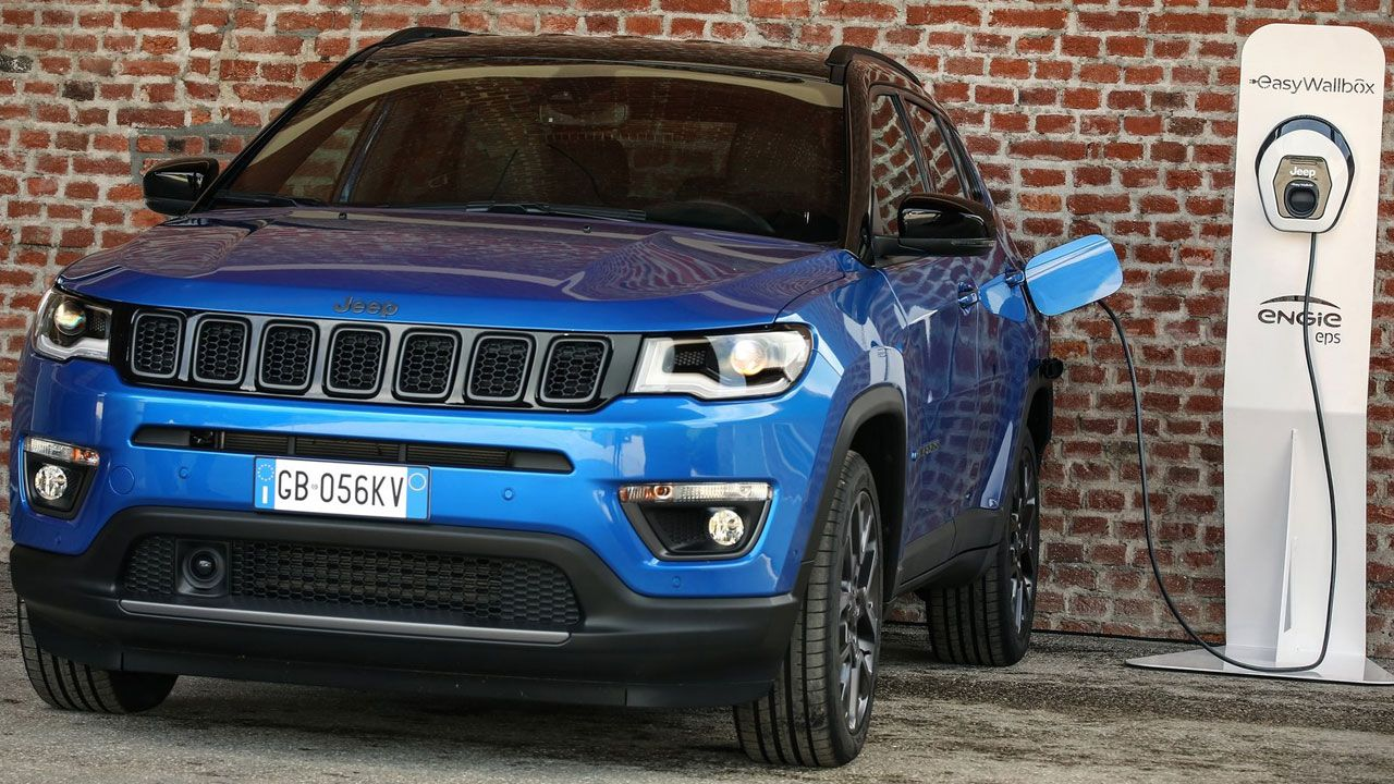 Jeep Compass 4xe charging