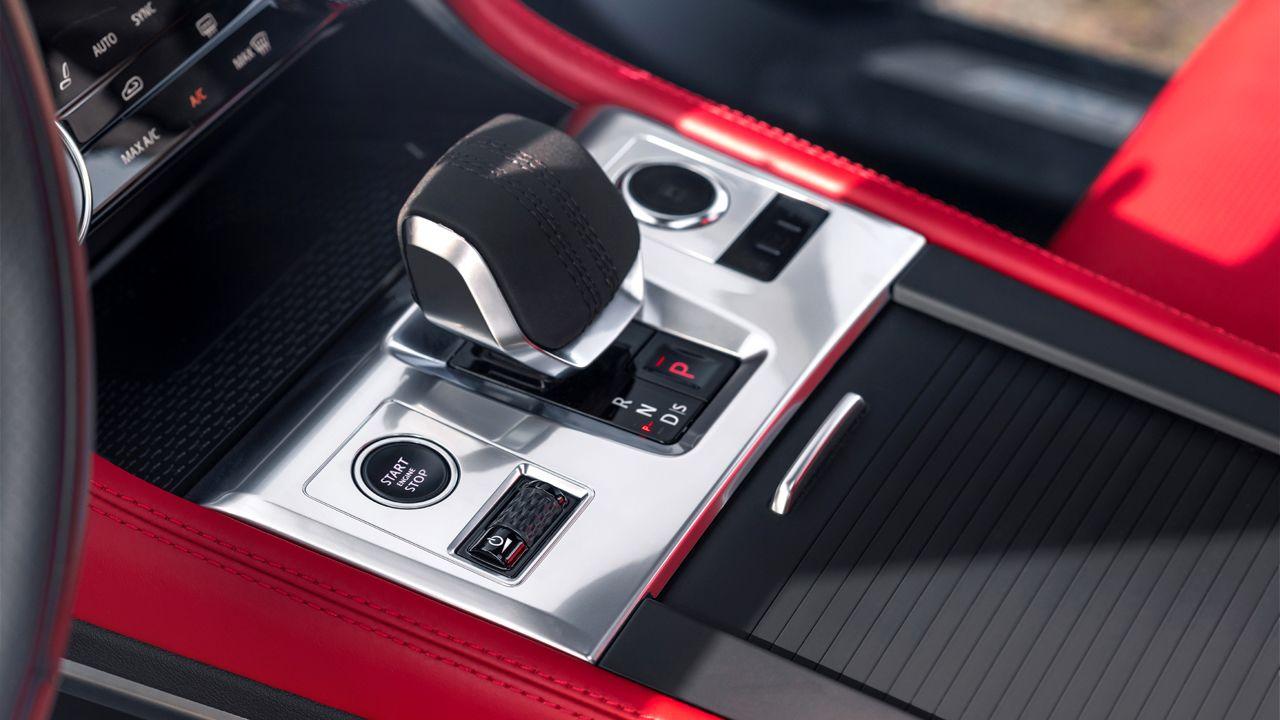 2021 Jaguar F PACE Drive Selector