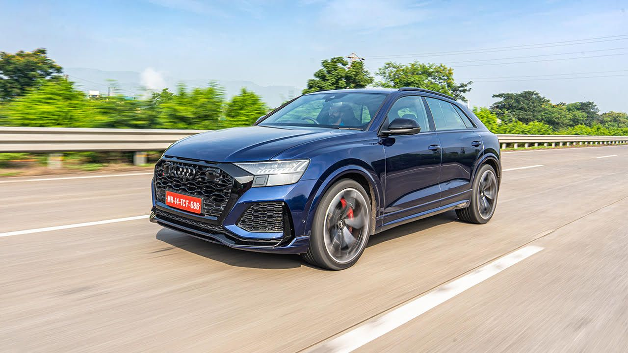 Audi Rs Q8 In Action Front Three Quarter