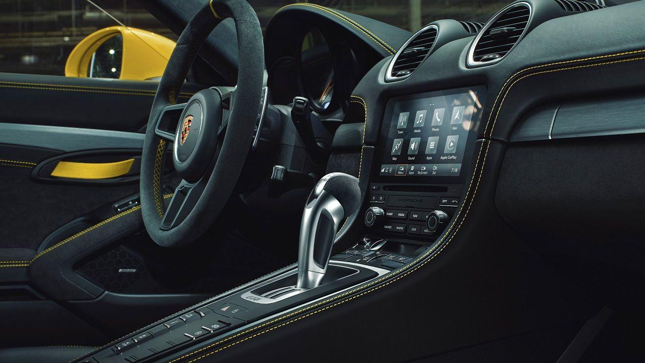 Porsche PDK In 718 GT4 Spyder GTS
