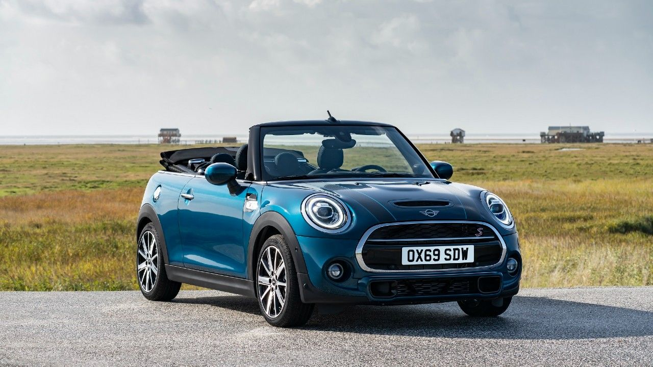 MINI Convertible Sidewalk Edition Launched In India