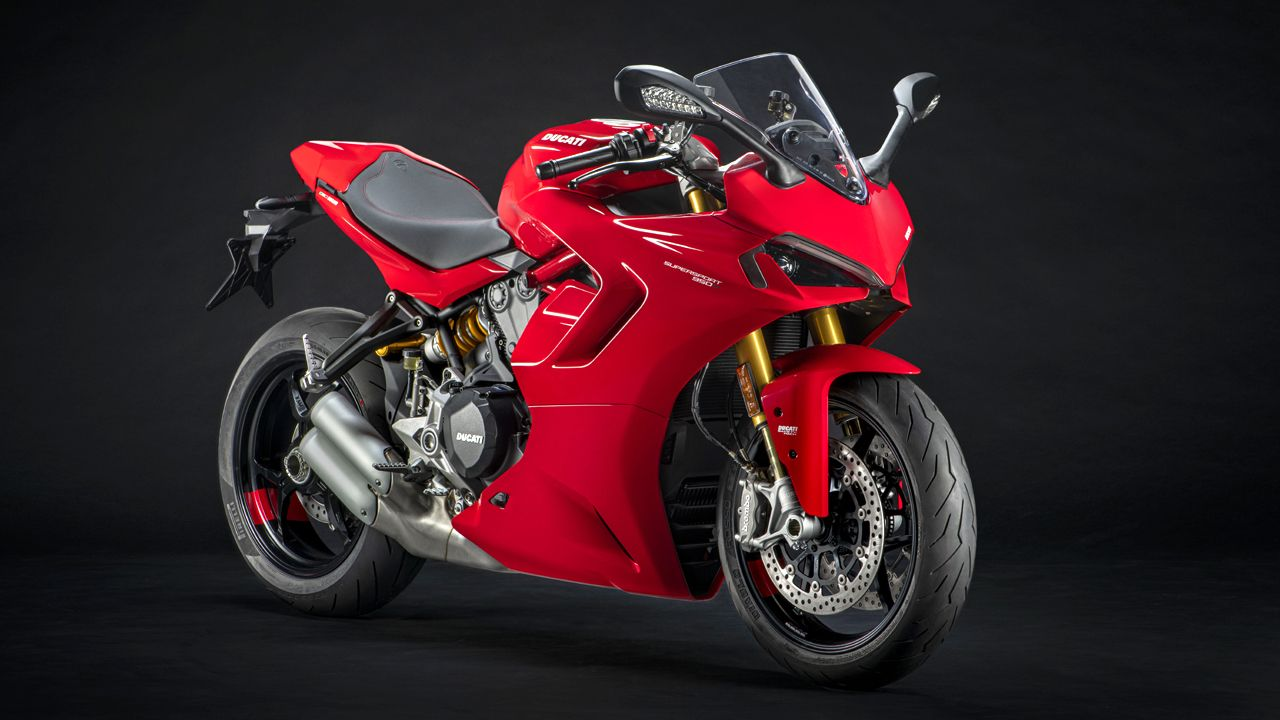 2021 Ducati 950 SuperSport S Red Front Quarter