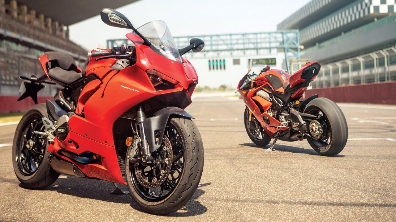 Ducati Panigale V2 vs Panigale V4 Track Test