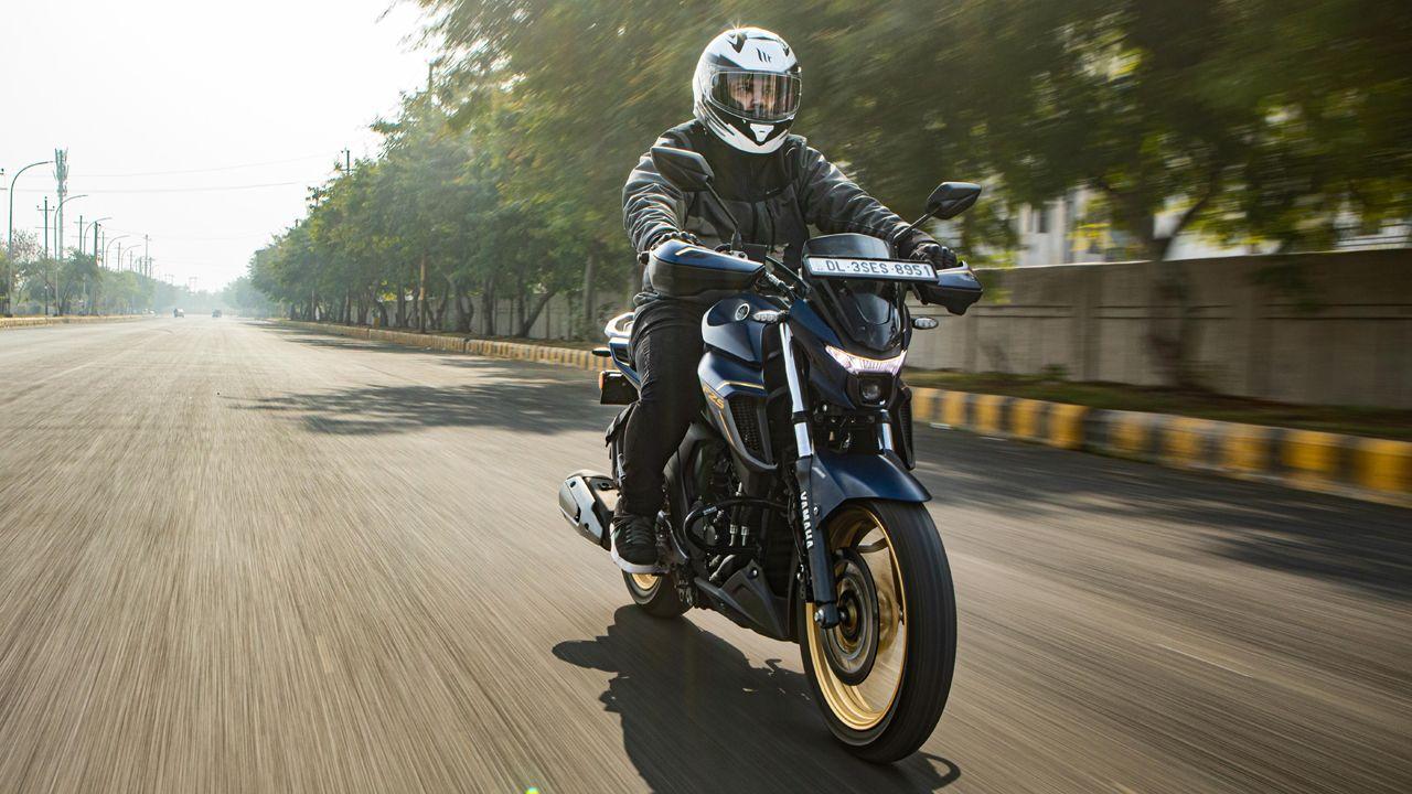 Yamaha FZS 25 Front Motion