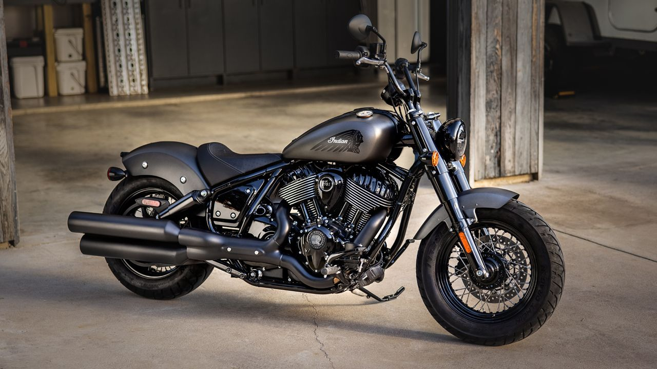 2022 Indian Chief Bobber Dark Horse Side View Static
