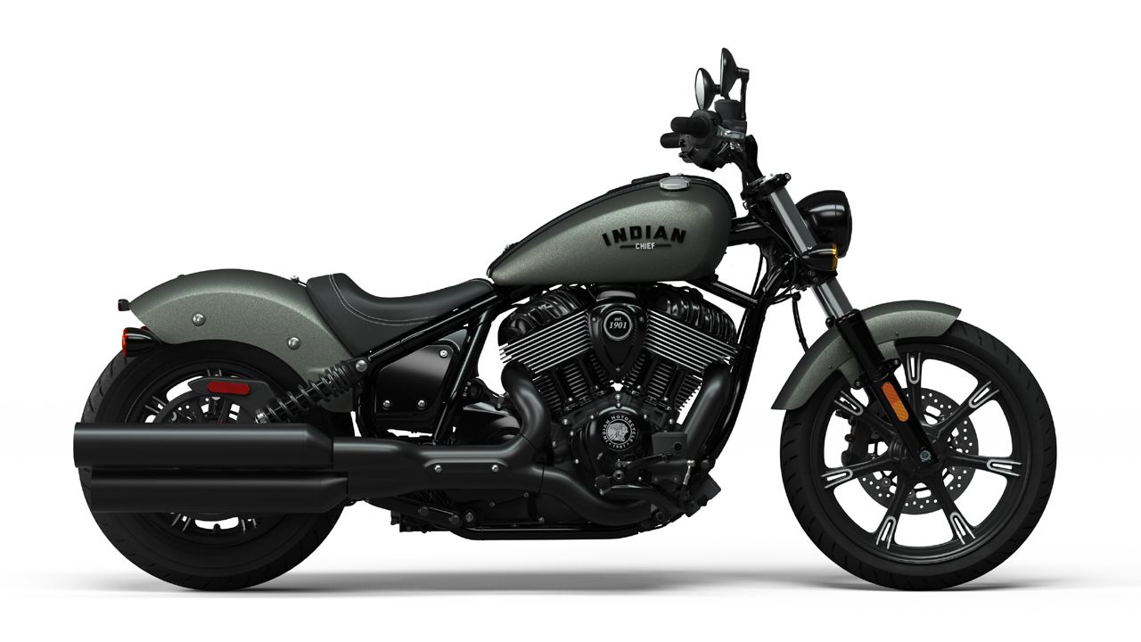 2022 Indian Chief Dark Horse Side View
