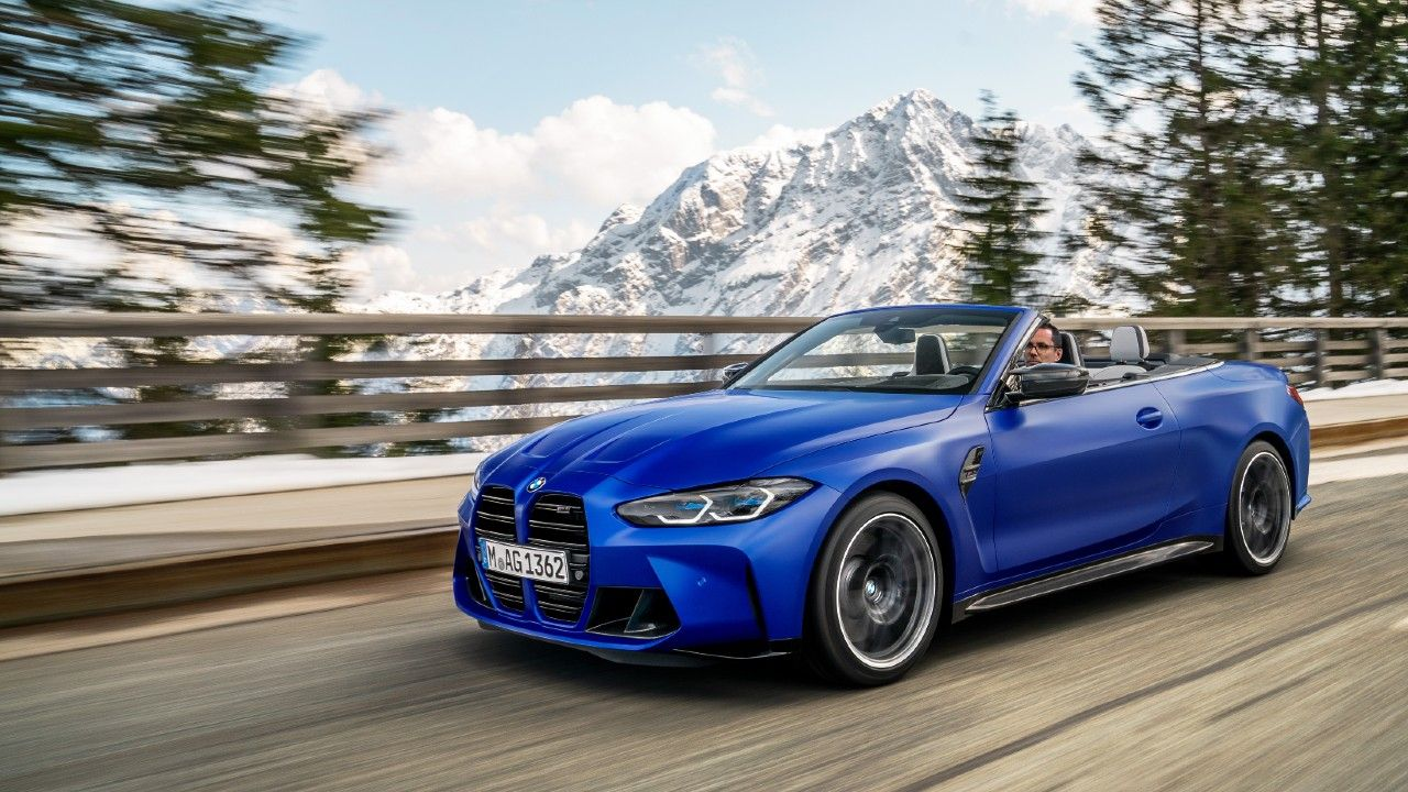 2022 BMW M4 Convertible Competition Revealed Globally Front Action