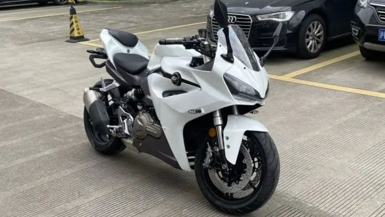 Benelli Leoncino 500 Based Sports Tourer In The Work