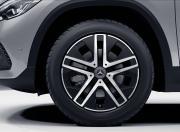 Mercedes Benz GLA Image 9