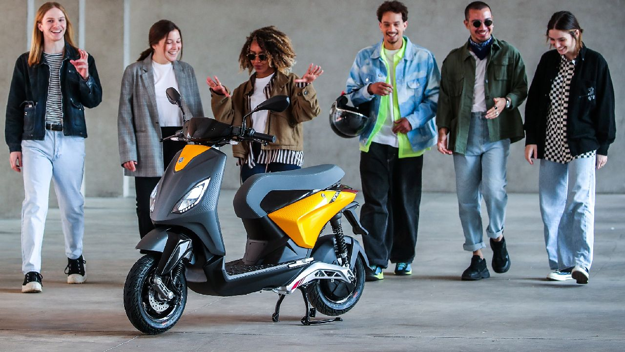 Piaggio ONE Electric Scooter Previewed 3