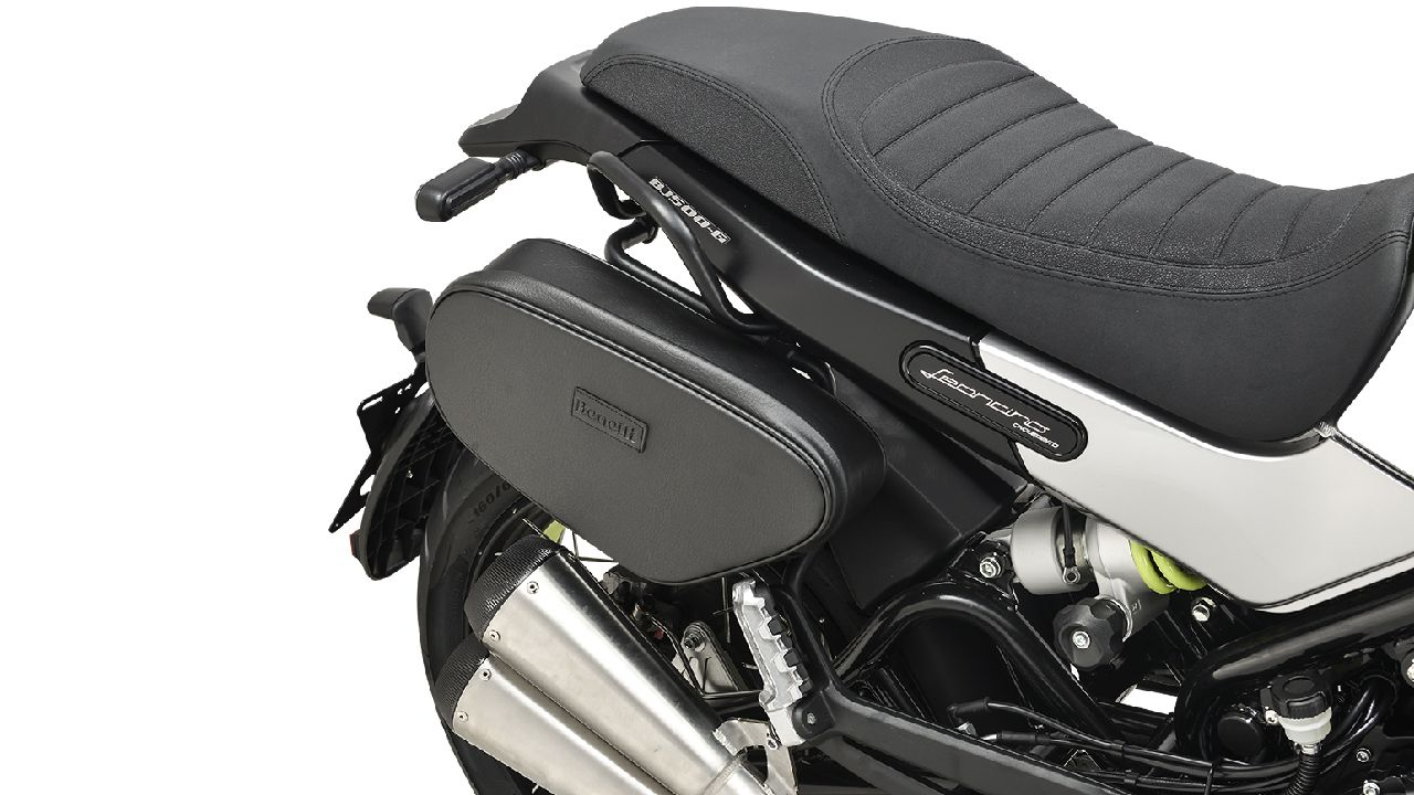 Benelli Leoncino 500 Sport Saddle Bag And Exhaust Close Up