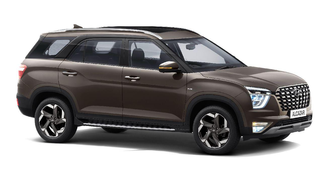 Hyundai Alcazar Three Quarter Static
