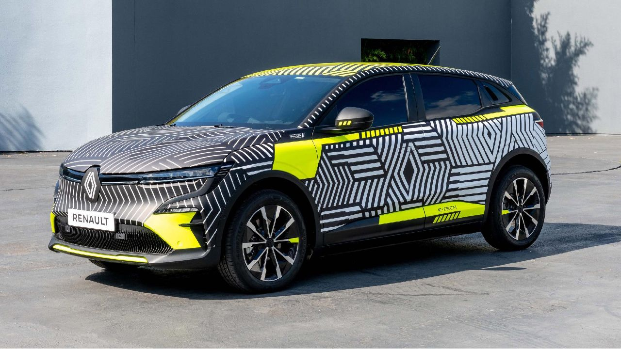 Renault MeganE Pre Production Model Front Three Quarter