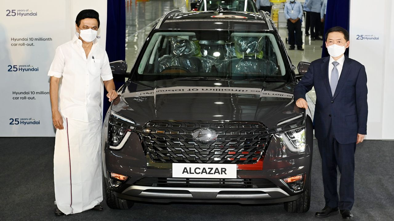 Thiru MK Stalin Honorable Chief Minister Of Tamilnadu And Mr S S Kim MD CEO Hyundai Motor India Ltd At The Rollout Of 10 Millionth Car At Hyundai Manufacturing Plant