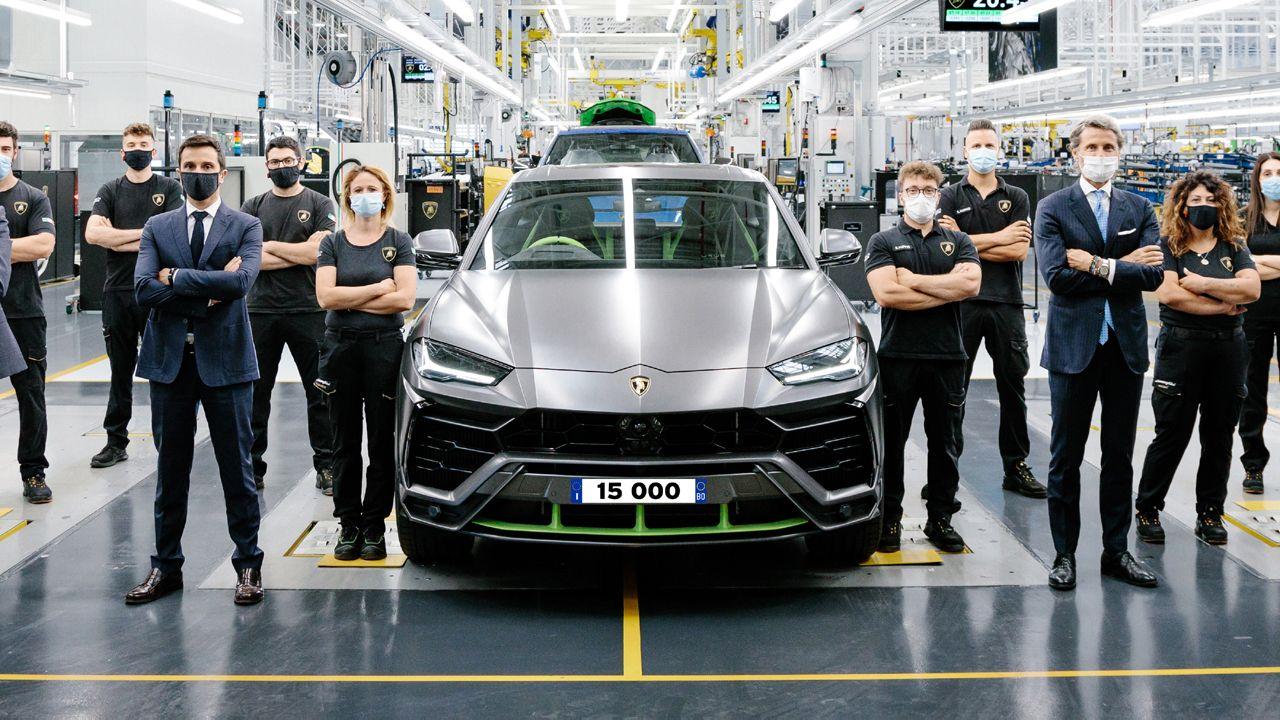 15 000th Lamborghini Urus Rolls Off The Production Line