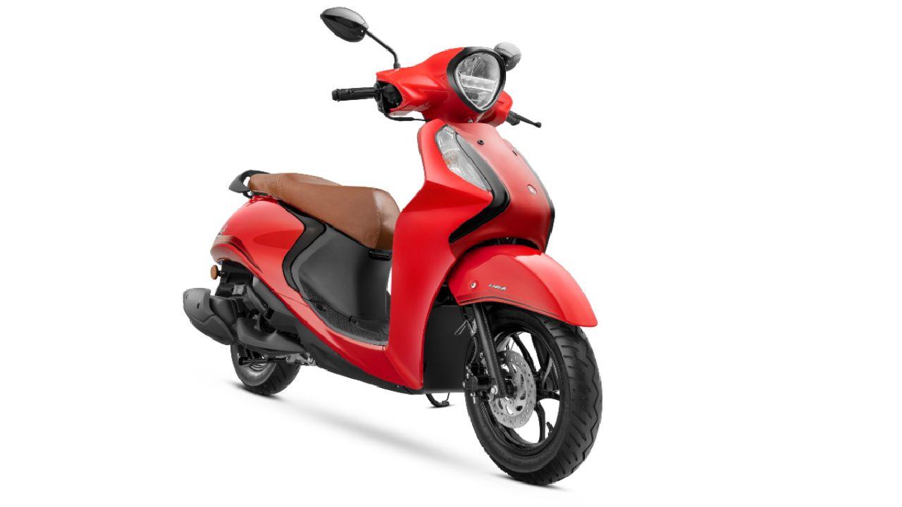 2021 Yamaha Fascino 125 Hybrid Three Quarter Static