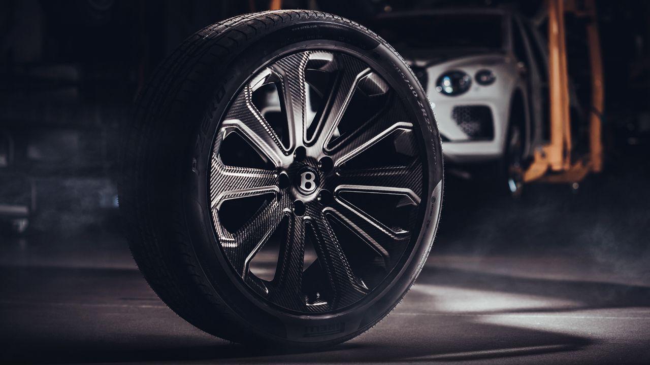 Bentley Bentayga Carbon Wheel Studio
