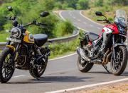Ducati Scrambler vs Honda CB500X static1