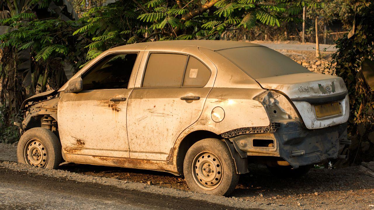 Old Maruti Suzuki Dzire Scrap Car