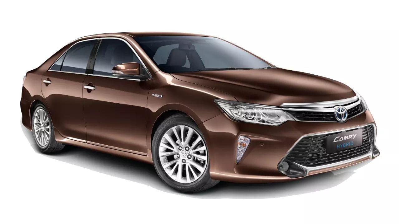 Toyota Camry Hybrid Static Three Quarter
