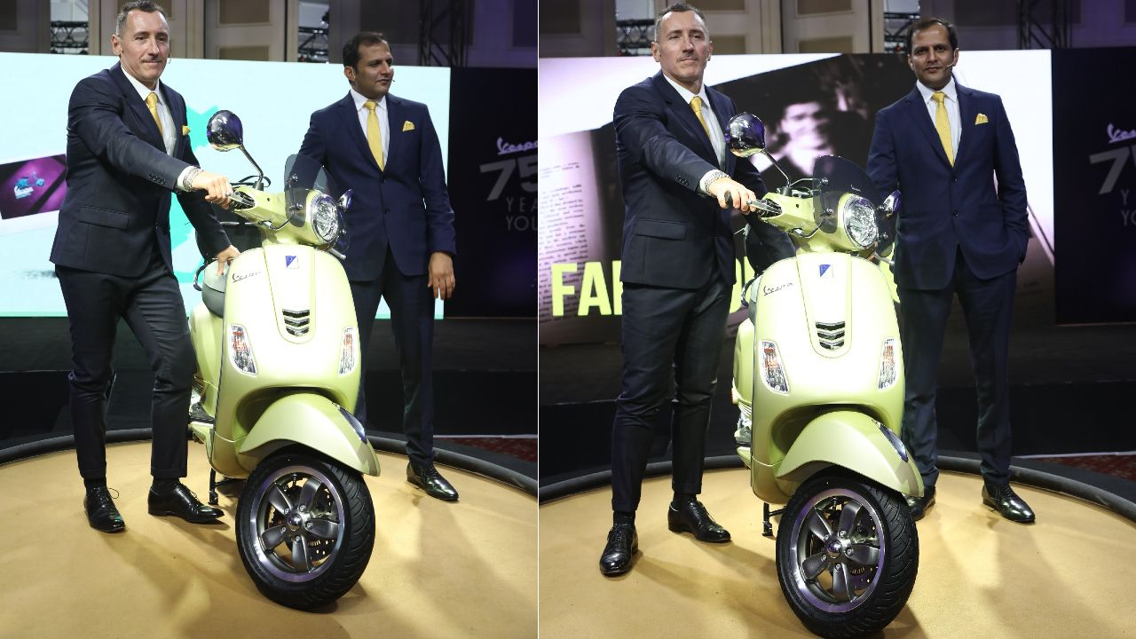 75th Anniversary Limited Edition Vespa 125 And 150 Full Front Shot Static