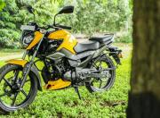 2021 tvs raider 125 first ride review static m1