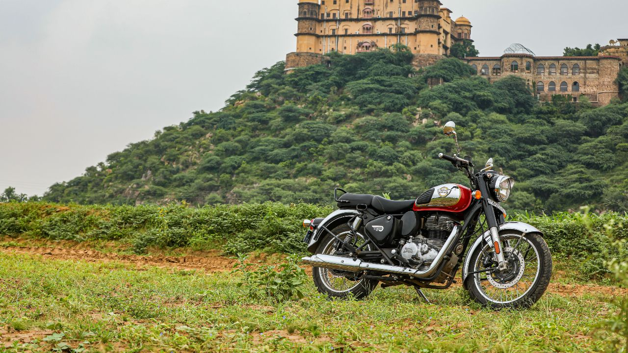 Royal Enfield CLassic 350 Feature