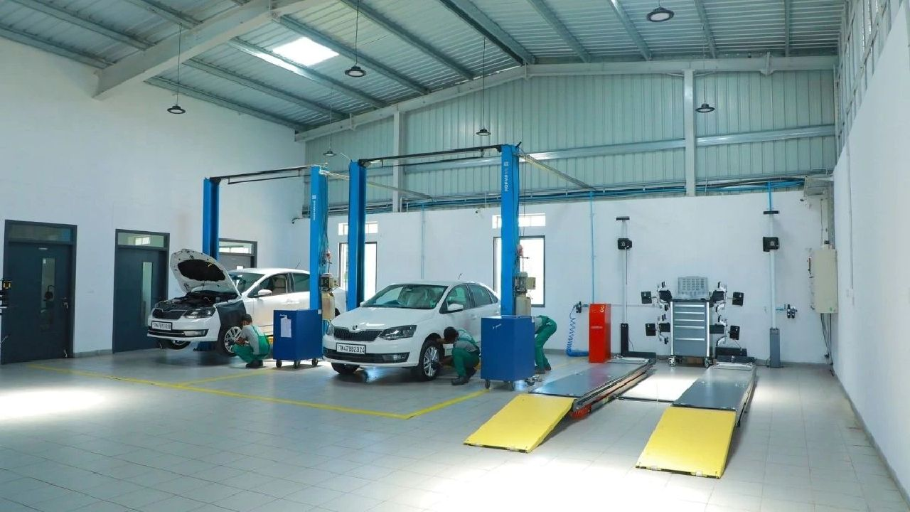 Skoda India S Compact Workshop With Two Working Bays